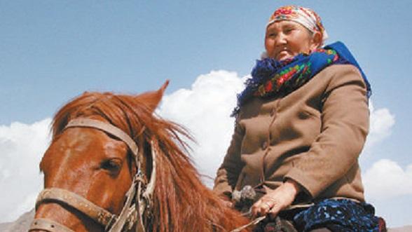 布茹玛汗·毛勒朵:半世纪,放牧巡边在祖国最西端