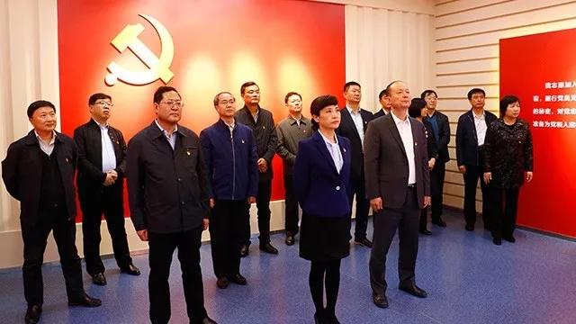 区级领导集体参观周恩来邓颖超纪念馆和区廉政教育基地