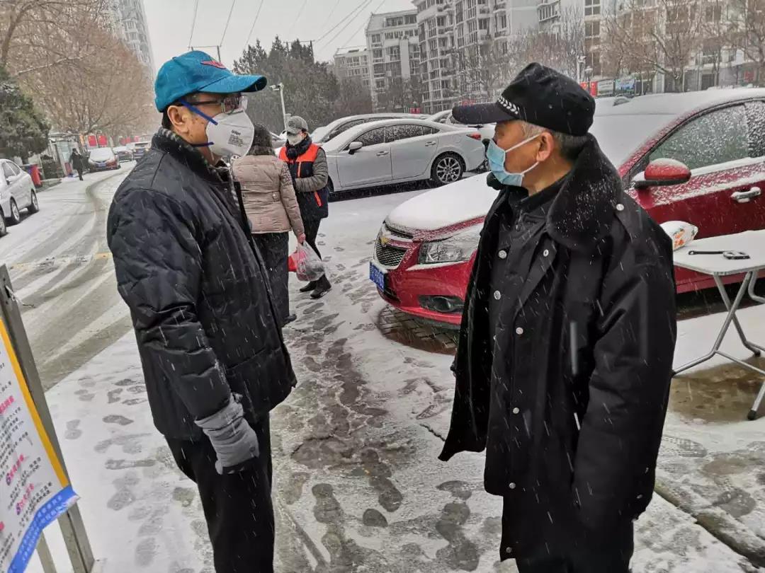 王海山深入街道社区指导疫情防控工作
