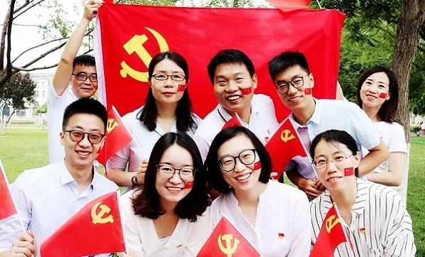 原创·镜头 | 今天是你的生日,我的中国共产党