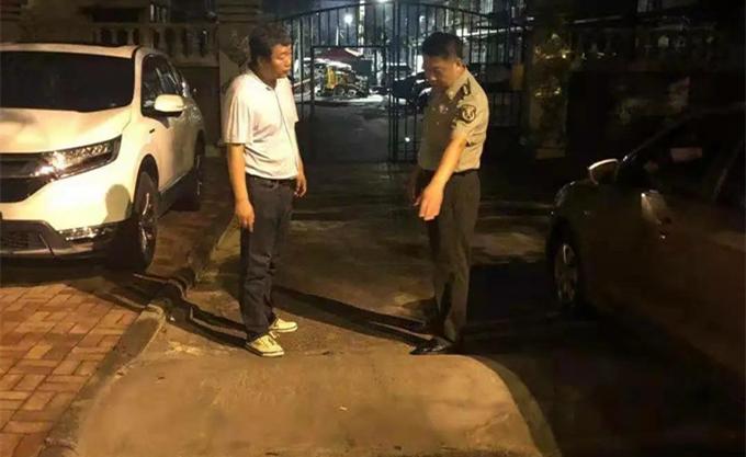 江都路街纪检监察工委检查防汛工作