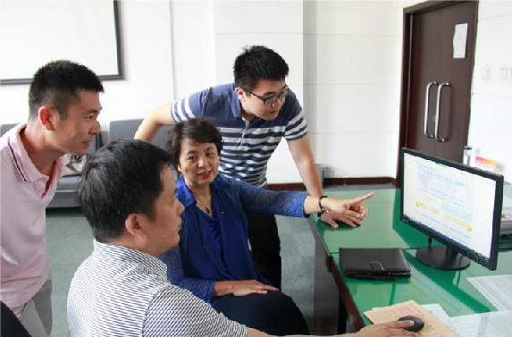 【镜头】广大党员干部群众学习热议修订后 《中国共产党纪律处分条例》
